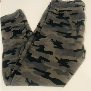 💚Girls Justice Camouflage Leggings